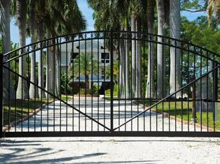 Fabri-tech gates