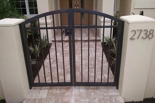 residential gates by Fabri Tech